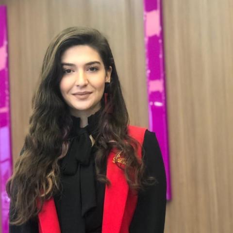 Müzik Öğretmeni Melike Melisa Dayıoğlu